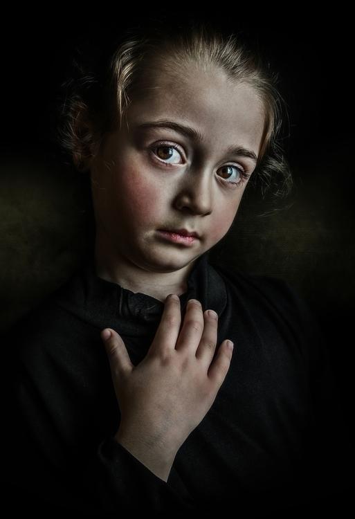 Pequeña María - photography - totislao | ello