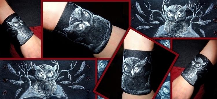 Book Owl acrylic paint syntheti - aiakira   ello