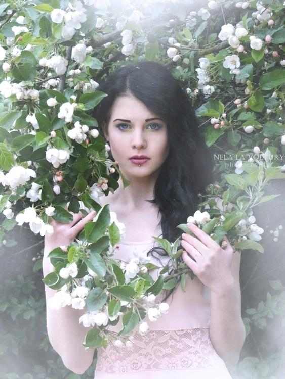 Model: Lussye Schondorf Photo,  - nelagriminelli_art | ello