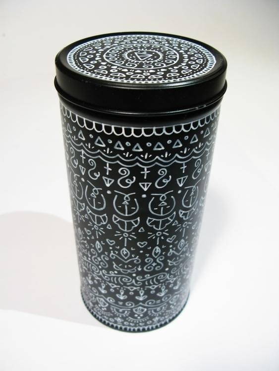 Black-white tin - handdrawn, pattern - gingerrred | ello