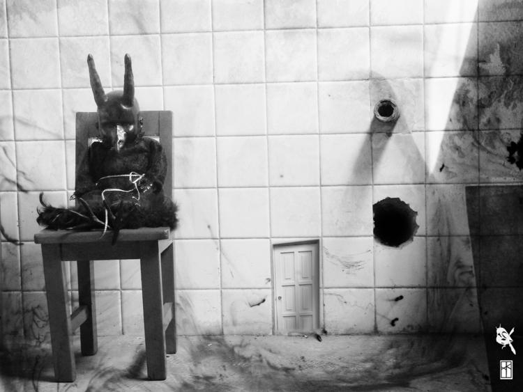 El diablito está esperando - photography - xochikalli | ello