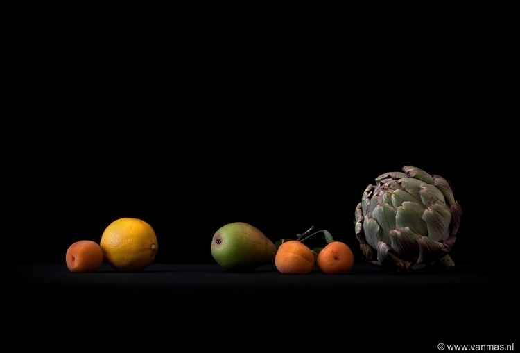 Stilleven met fruit en artisjok - vanmas | ello
