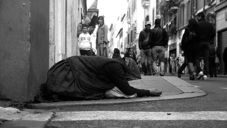 Italy - rome, homeless, rhomeless - stefanolazzaro | ello