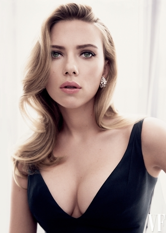 ScarletJohansson, tits, cleavage - ukimalefu | ello