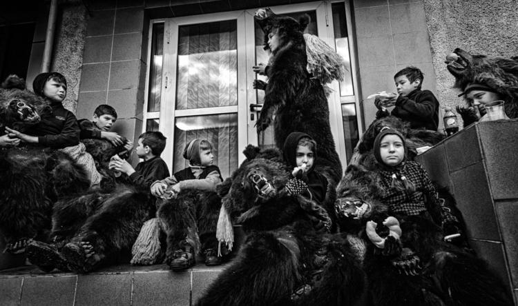 Traditions Romania - bears, romania - cristianmanolache | ello