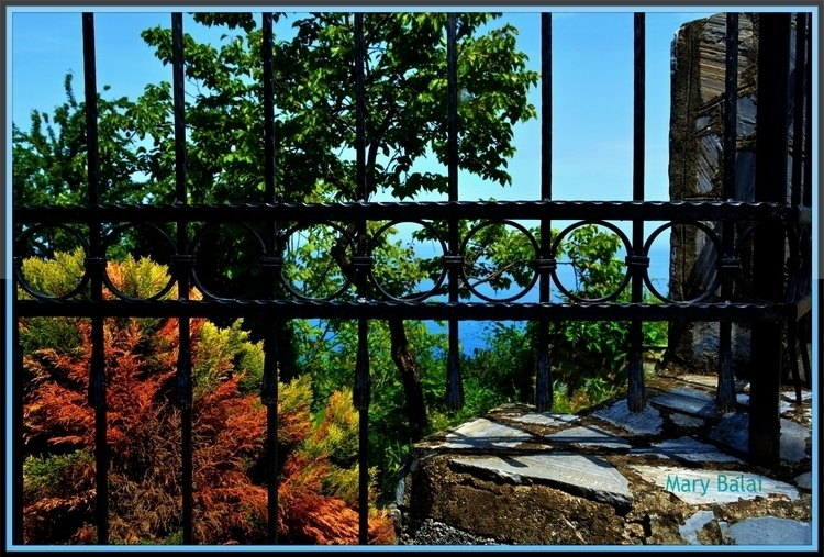 Guarded sea view - photography, nature - mairoularissa | ello