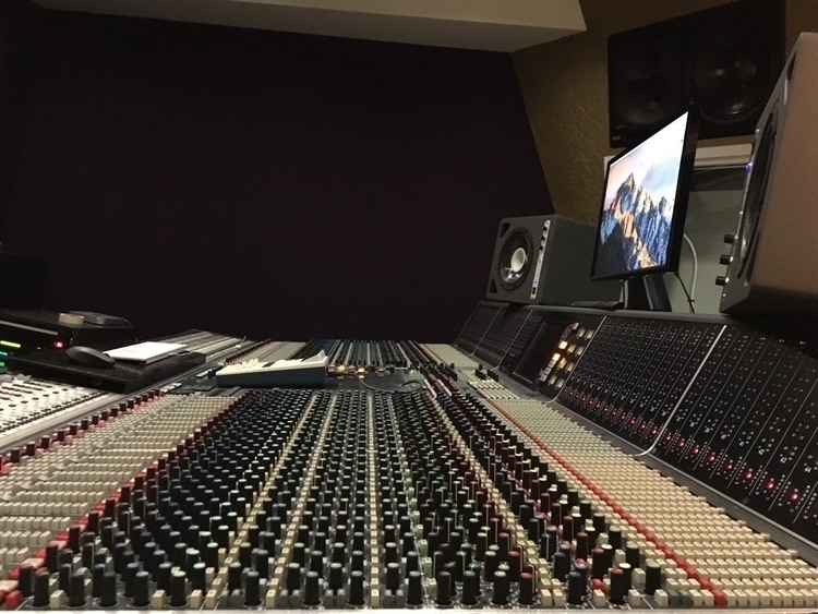 knobs - mixingconsole, studio, studiogear - jensson | ello