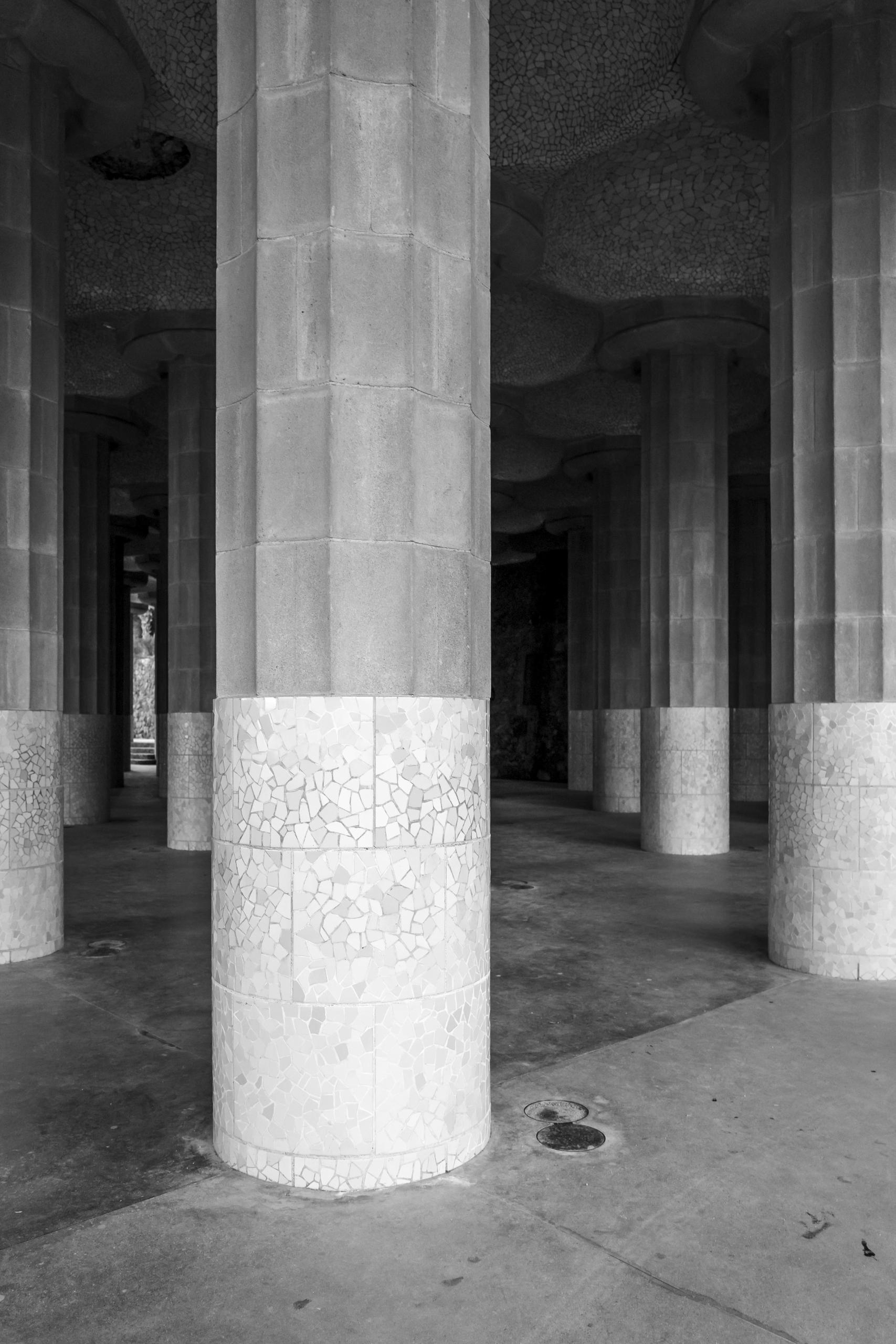 Columns. Park Guell. Espana. Po - nickdelrosario | ello