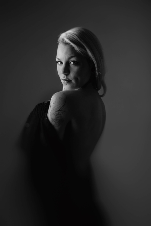 portrait, simple, studio - afaulkphoto | ello