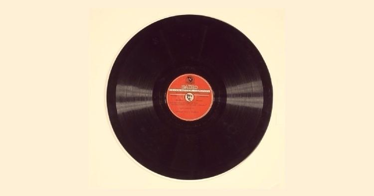 Phonograph record reminiscence  - valosalo | ello