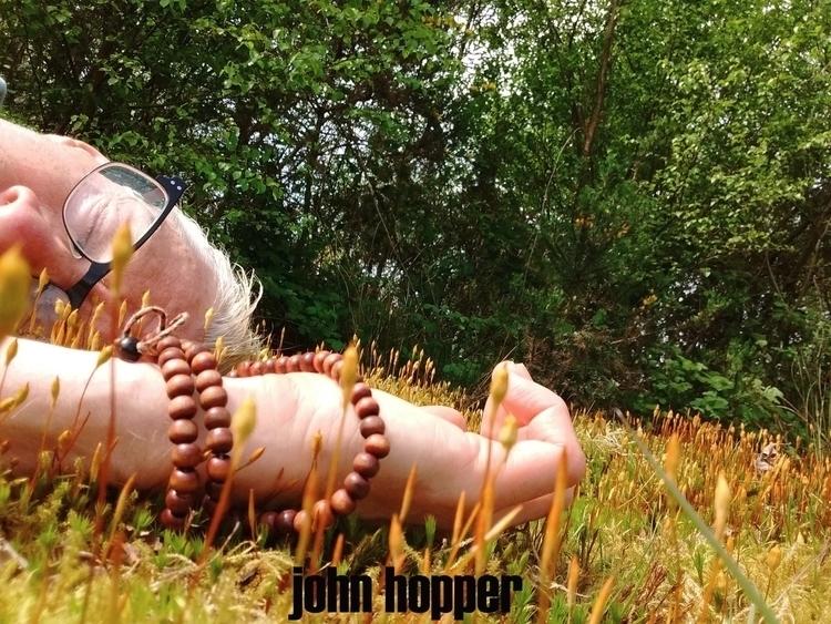 ***SAFE*** lay naked small clea - johnhopper | ello