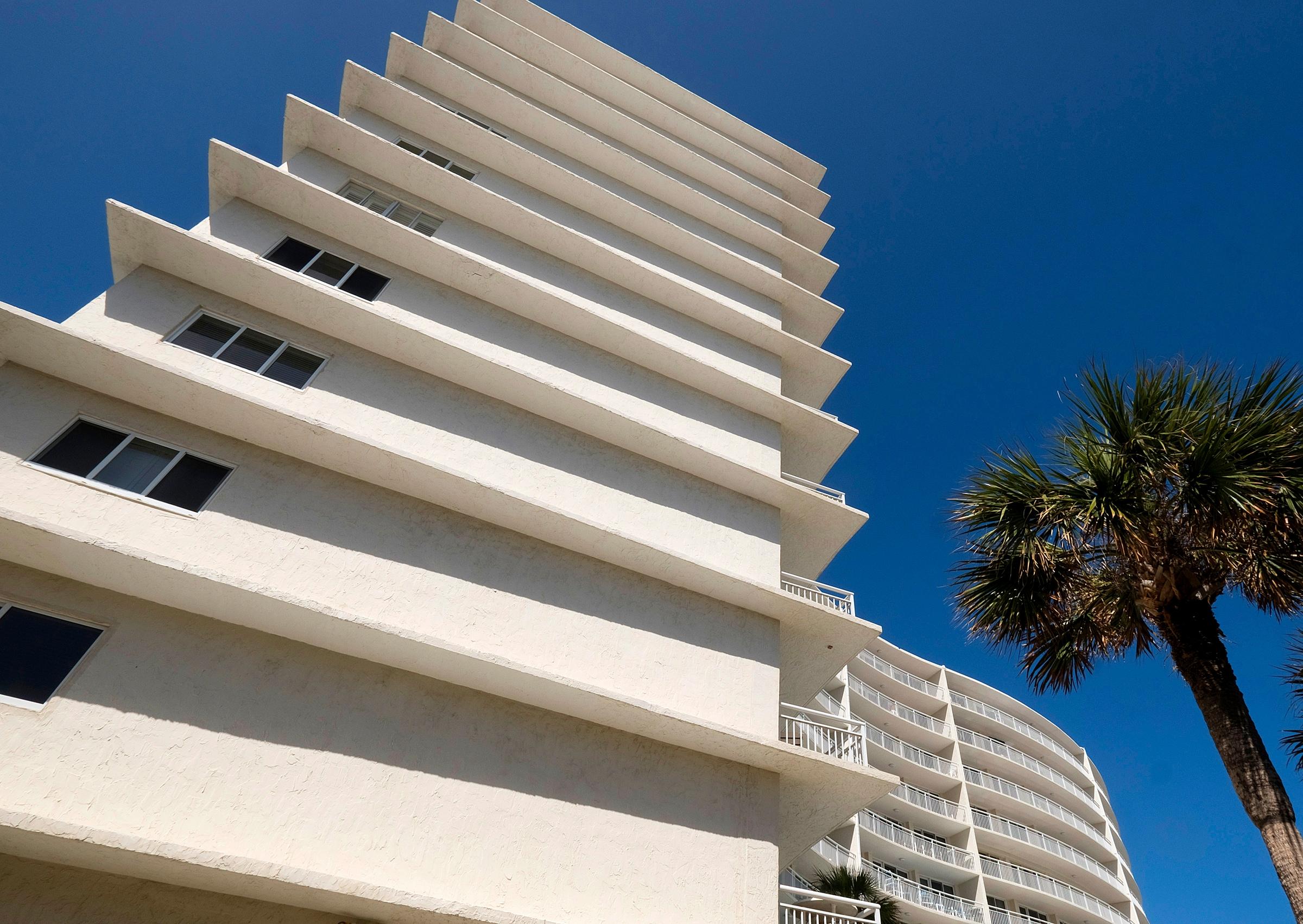 Seascape condominium (built 197 - keithbeaty | ello