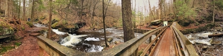 routine hike Falls Trail (panor - aaroncampbell | ello