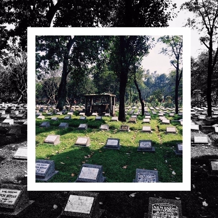 gonna cemetery / burial place.  - aggnarut | ello
