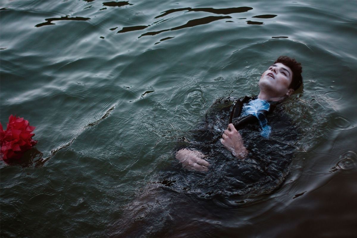 """Water — Photographer:Vinicius - darkbeautymag | ello"