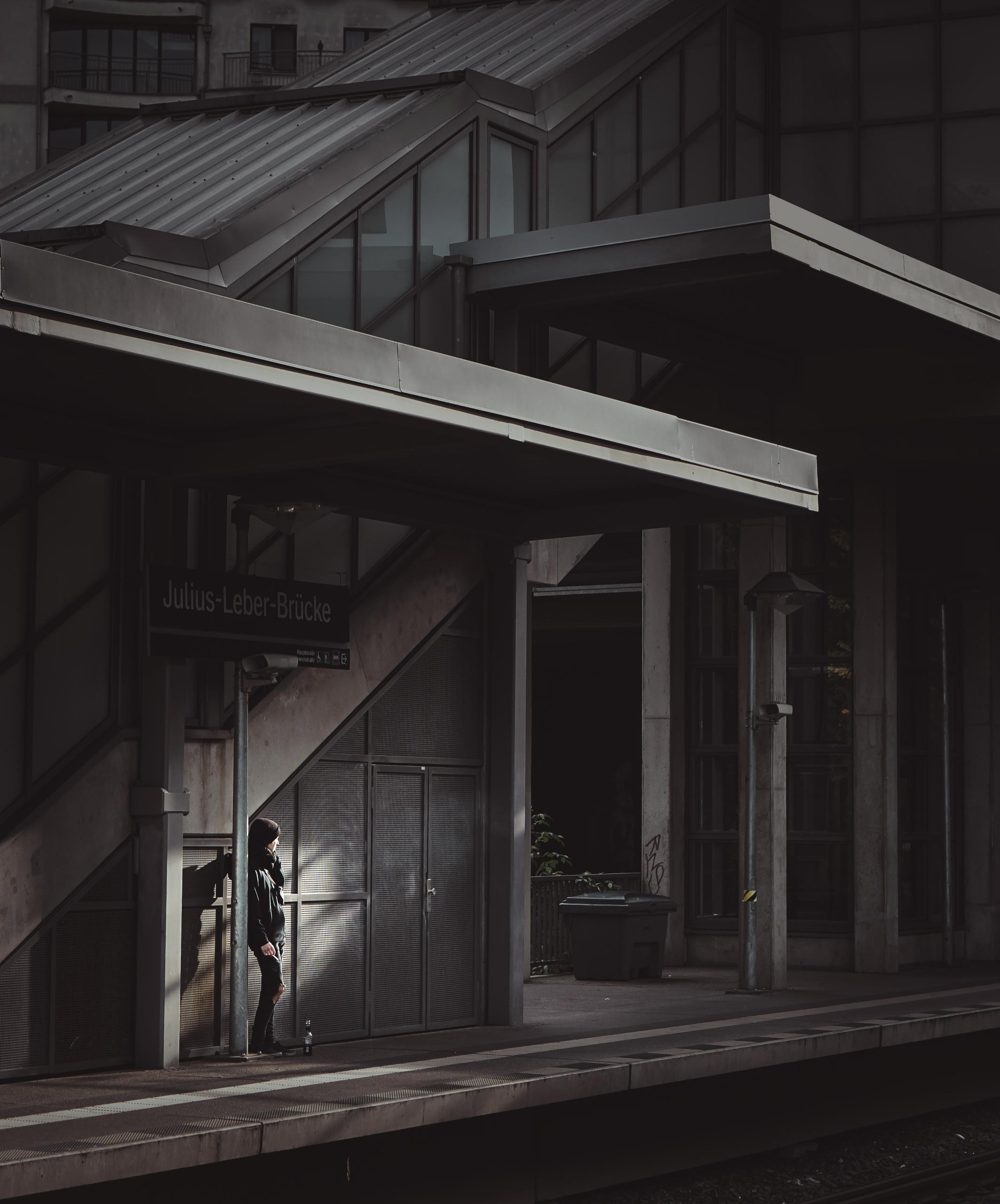 black, berlin, architecture, light - brinsonmcgowan | ello