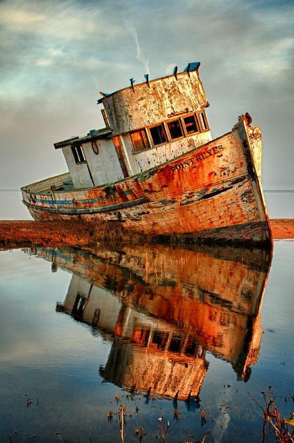 Abandoned fishing boat, Califor - arthurboehm | ello