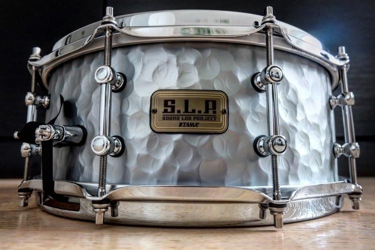Vintage Hammered Stell - Snare, Tama - derdrummer | ello