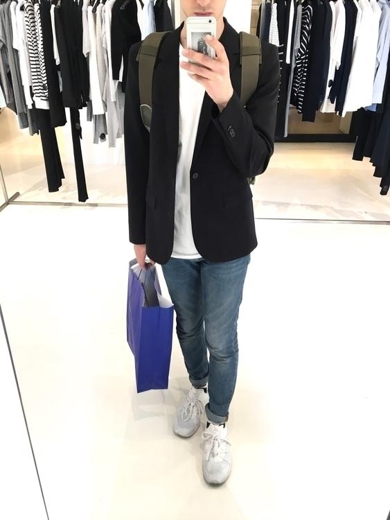 Fabric shopping Antwerp - fashionblogger - simonriepe | ello