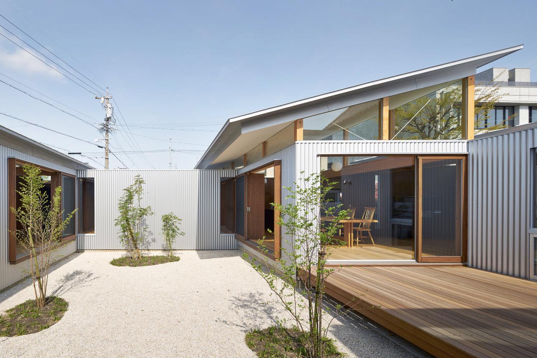 House Gardens Roofs / ARII IRIE - red_wolf | ello