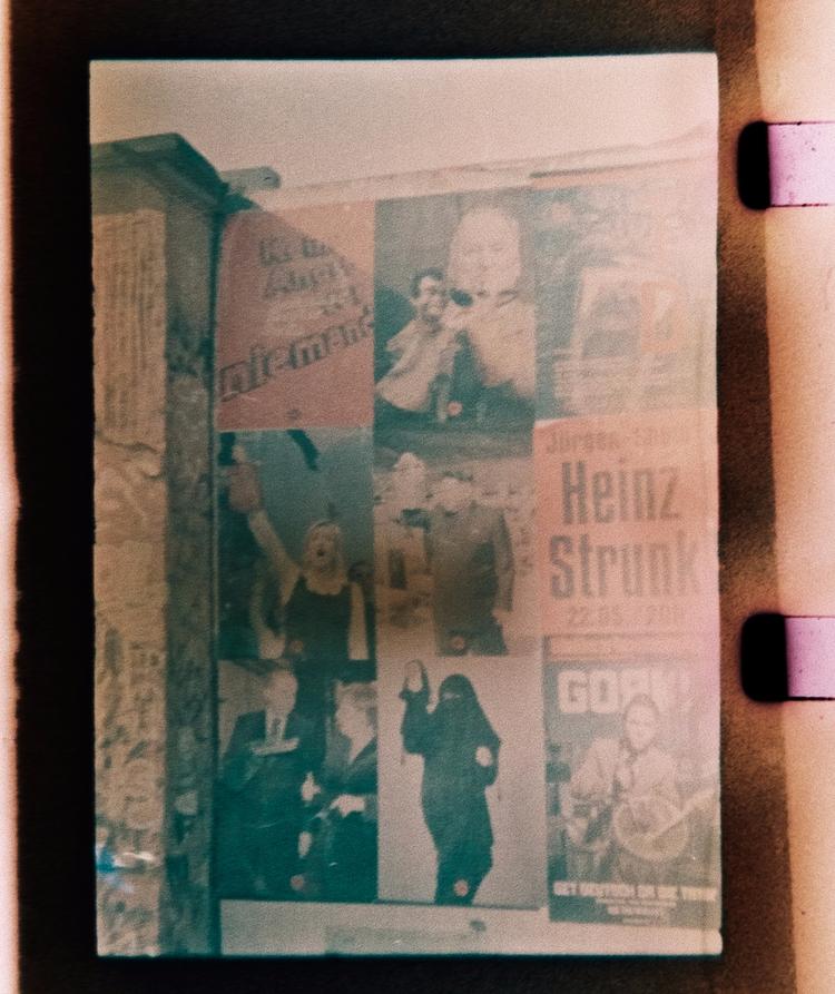 Expired (1970s!) Kodak Ektachro - stikka | ello