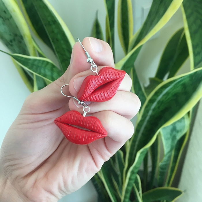 Red Lips earrings! Handcrafted  - nothingisfunny | ello