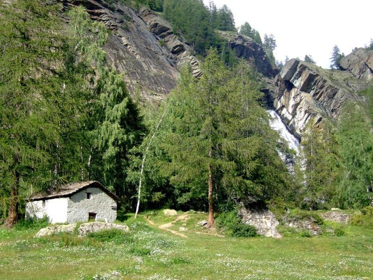 Shelter Alpi, Italia - euric   ello