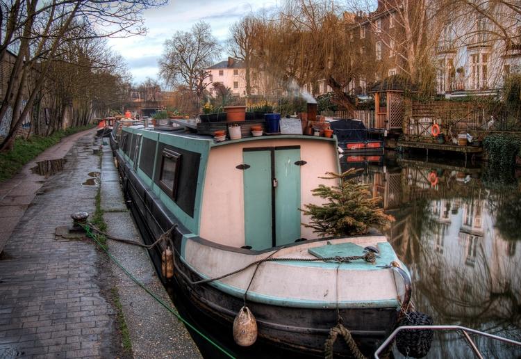 Narrowboat, Camden - traditiona - neilhoward | ello