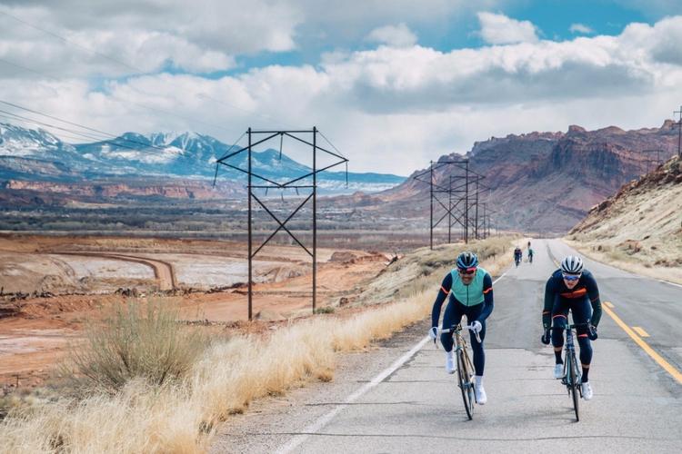 motion Photo Jeff Curtes cc - bikemore - fieldmag | ello