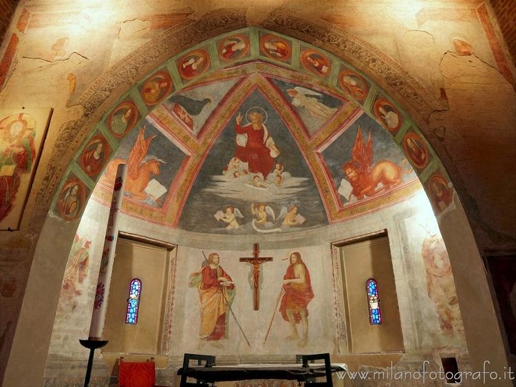 Milan (Italy): Left apse Church - milanofotografo | ello