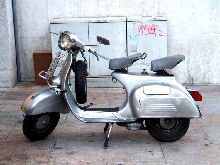 Scooter Lisbon - euric | ello