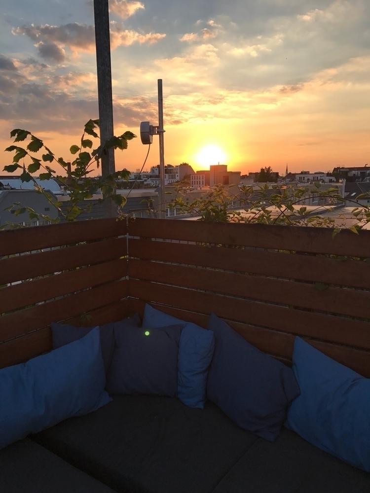 berlin, sundown - sascha-alexander   ello