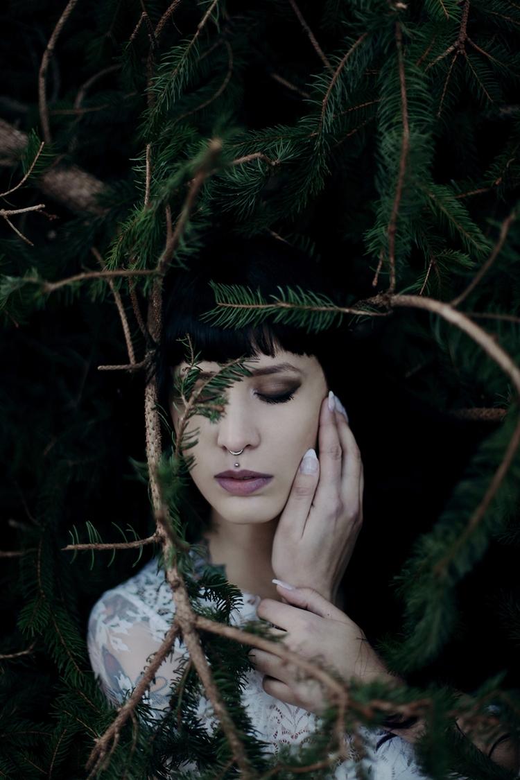 Photographer/Concept/Retoucher - darkbeautymag | ello