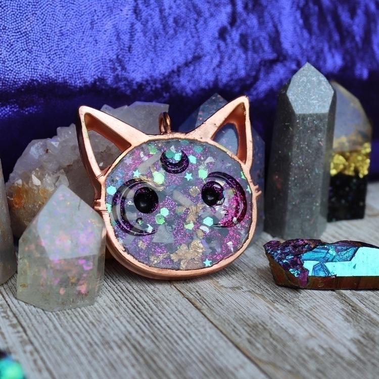 Luna Kitty - orgonite pendant  - hoodxhippie   ello