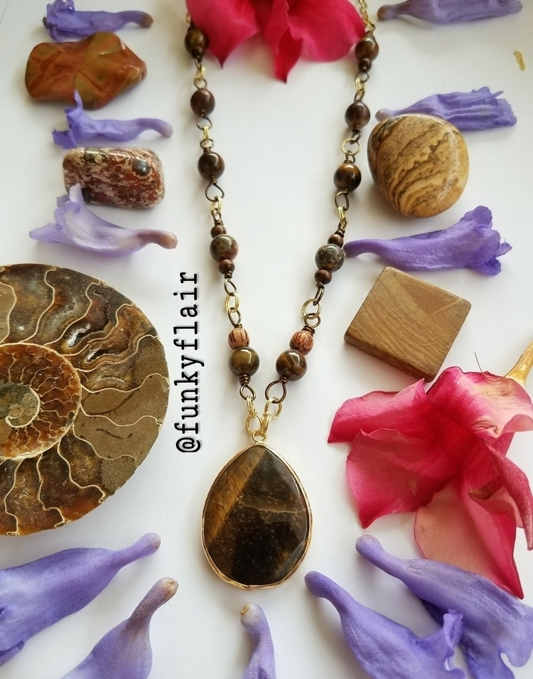 grabs - tigerseye, jasper, necklace - teekastle | ello