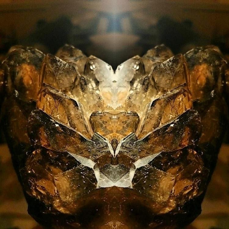 symmetry, elestial, smokeyquartz - everascendinglight | ello