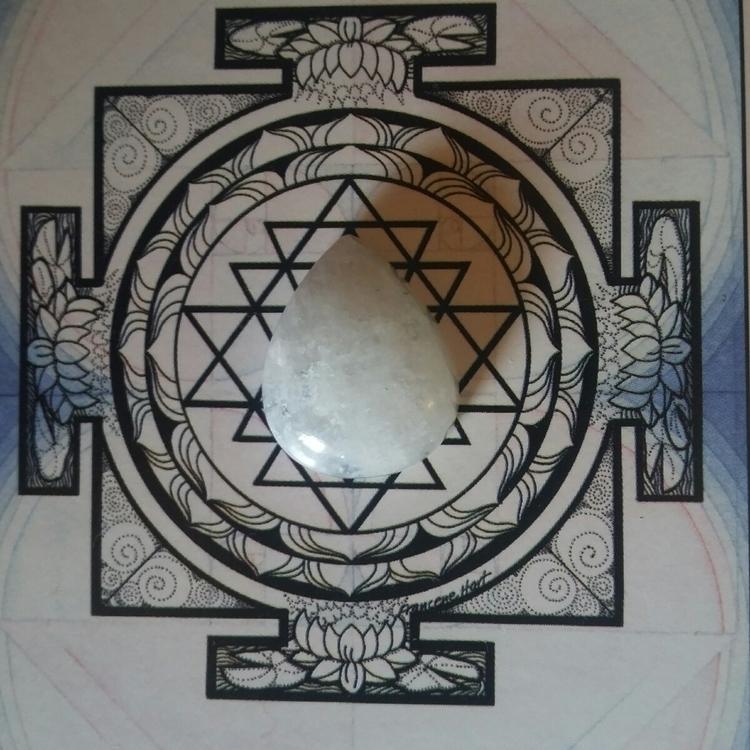 future Moonstone Ring? | Previo - thejuniperdiaries | ello