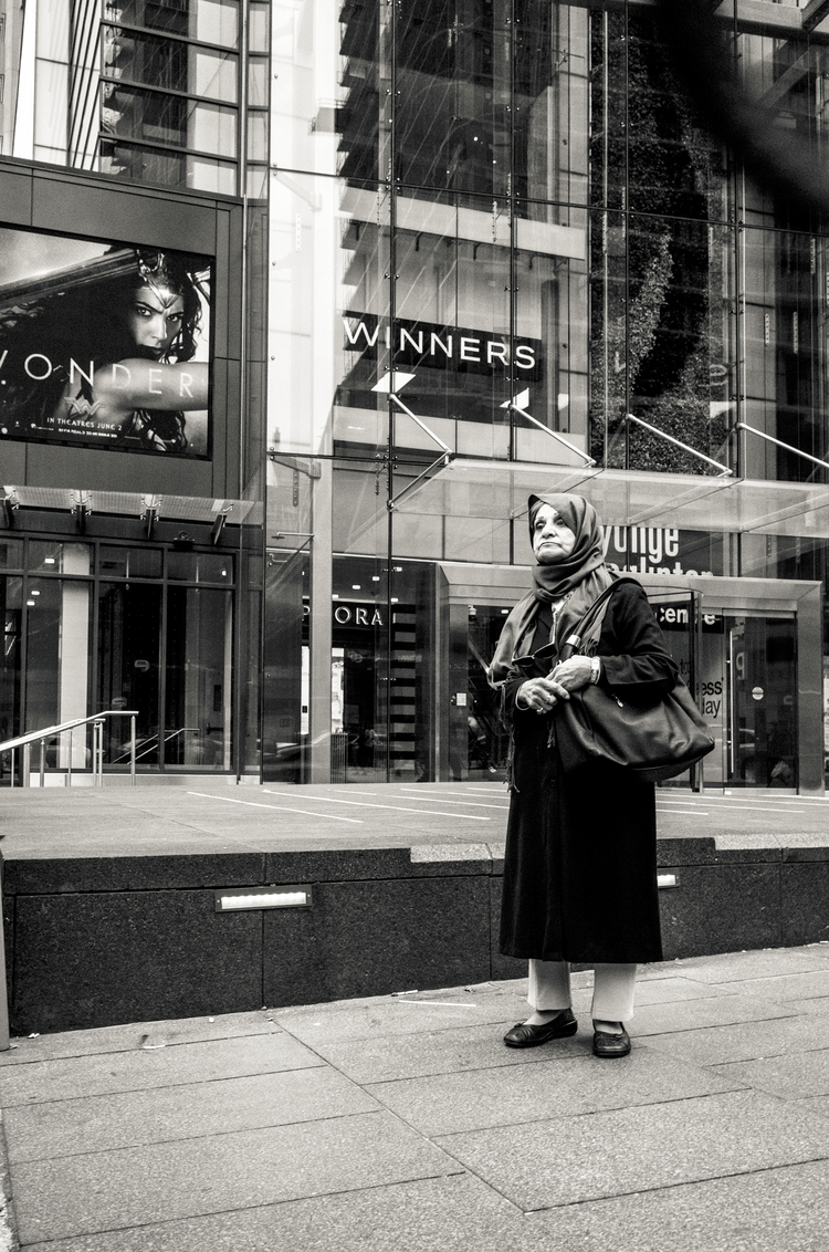 photography, bnw, toronto, streetphotography - seanrasmussen | ello
