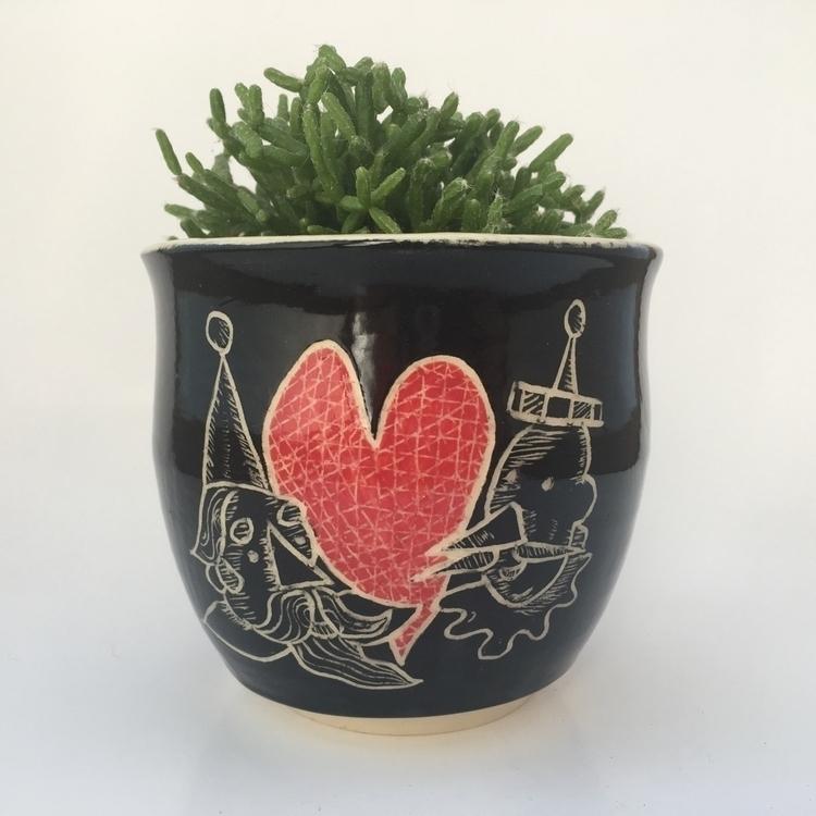 planter threw. art decorating - slashofblue   ello