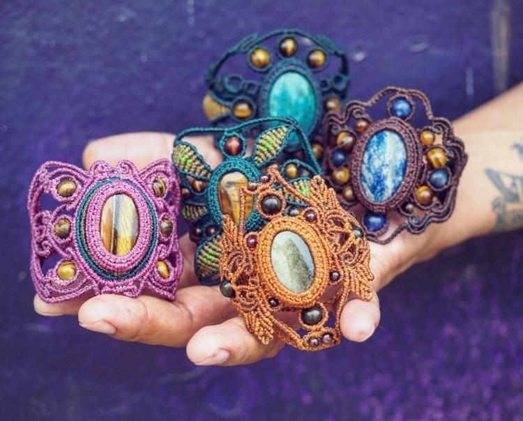 Handwoven macrame bracelets  - itayaarte | ello