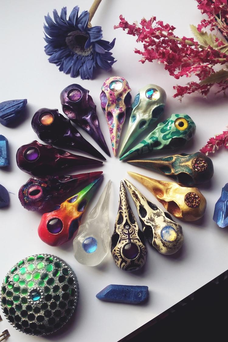 Hand Painted Resin Skulls - handmade - ravncotino   ello