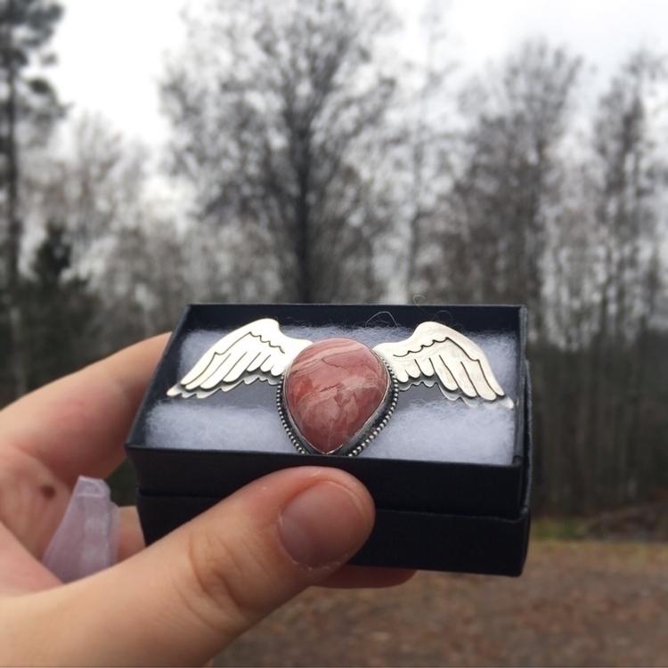 :sparkling_heart:Rhodocrosite r - vanadisgems | ello