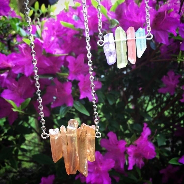 Beautiful quartz pieces. find W - rustbeltgems   ello