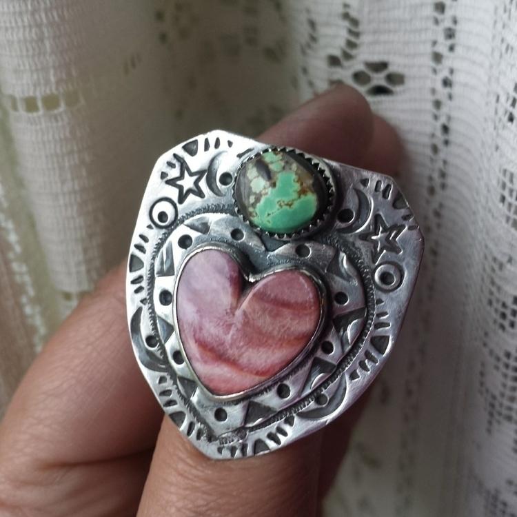 Shield Heart rings pretty popul - alleyec | ello