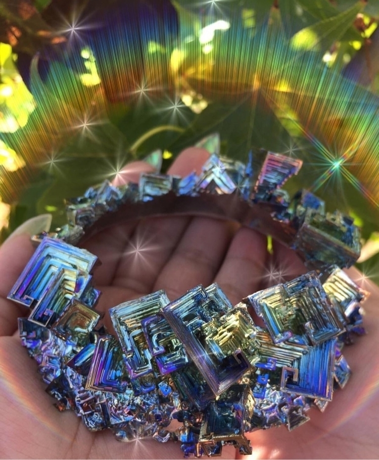 :sparkles:Magical Bismuth Crown - prismsouls | ello
