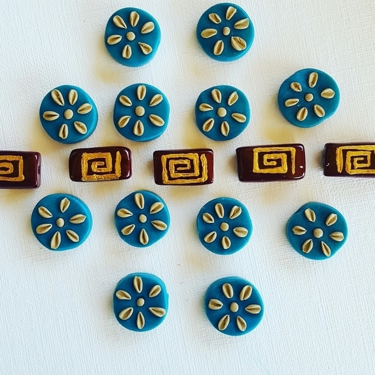 Im blue beads shells flowers - crafts - jadesculpts | ello
