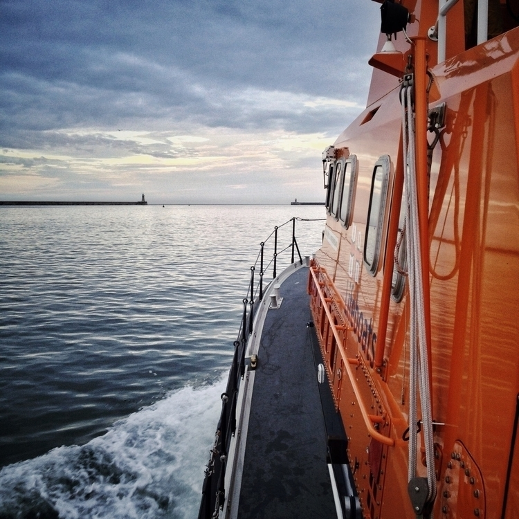 exercise / Tynemouth RNLI Lifeb - jacklowe | ello