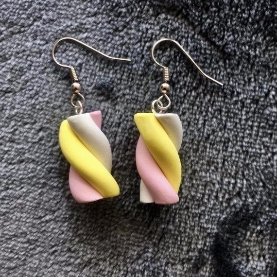 Treat pair delicious sweets Mar - nothingisfunny | ello