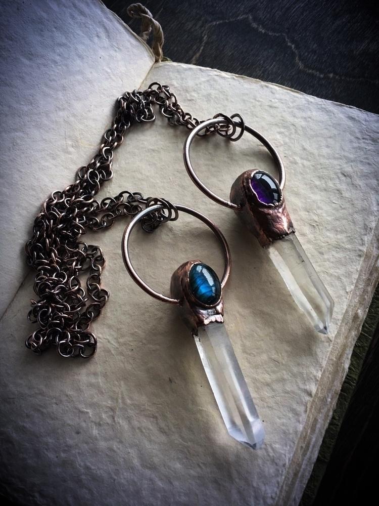 Eye matching pendants, reversib - queryeve | ello