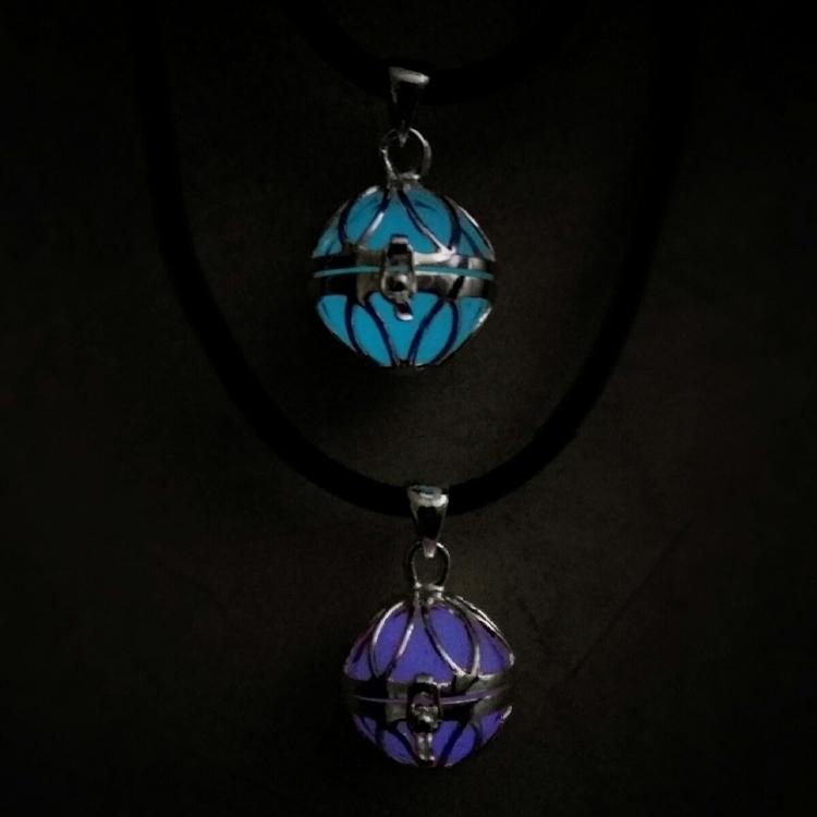 Glow dark spheres!!! contact lo - nizahuitron | ello